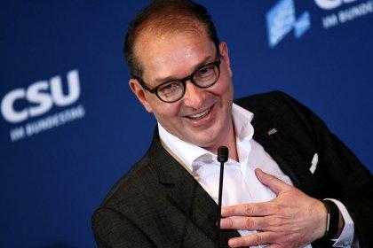 CSU-Landesgruppenchef will Fahrplan zur Soli-Abschaffung