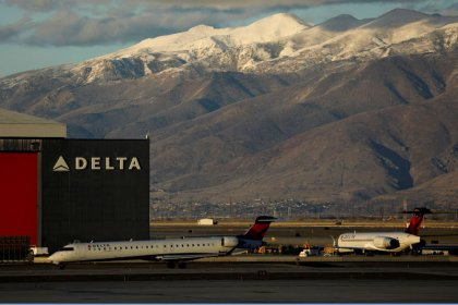 Delta Air growth to slow further in first quarter as shutdown weighs