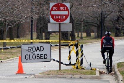 U.S. House Democratic leaders to cancel planned break amid shutdown