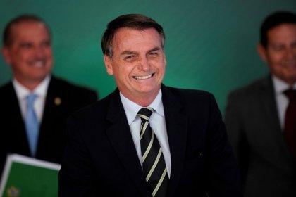 Bolsonaro to pick Brazil pension reform model after Davos trip: aide