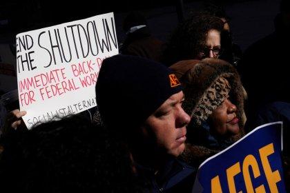 Shutdown bites economy, U.S. Coast Guard as Washington talks stall