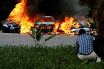 Islamistas somalíes reivindican un atentado que deja 15 muertos en un complejo hotelero de Kenia