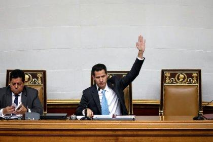 El parlamento de Venezuela declara usurpador a Maduro
