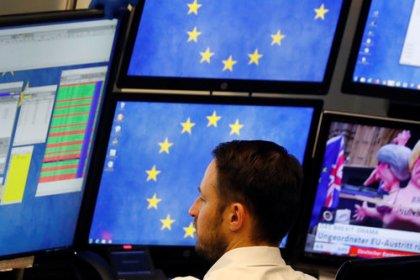 Borse Europa, Londra pesa su indici, banche in denaro
