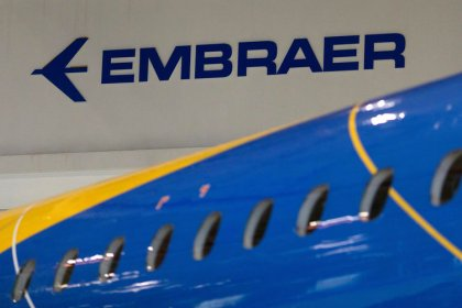 Embraer cuts 2018 outlook, hurt by executive jet, defense setbacks
