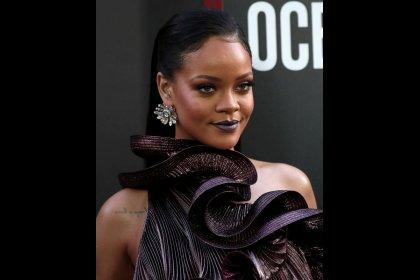 Rihanna se querella contra su padre para mantenerlo alejado de su marca Fenty