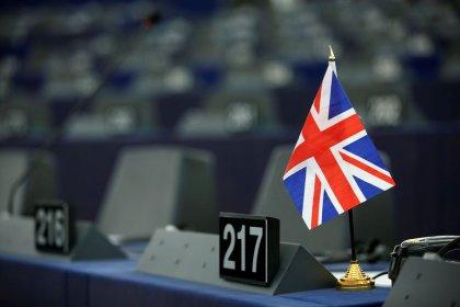 ЕС может продлить срок Brexit в случае убедительных доводов Лондона -- Еврокомиссия