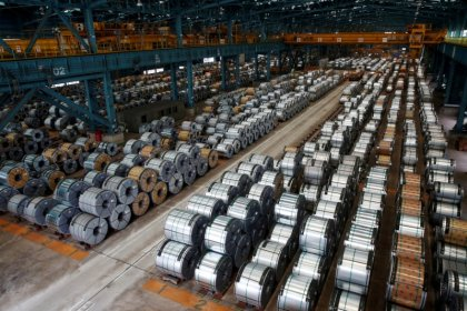 EU agrees to extend steel import curbs until 2021
