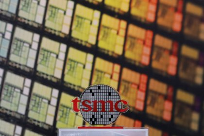 TSMC offers gloomy revenue forecast, slams chipmaker shares