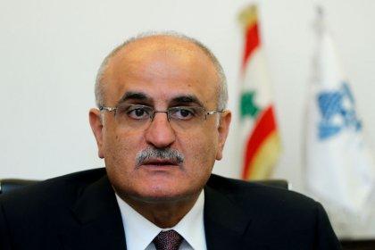 نظرة فاحصة- الصعوبات المالية تضغط بشدة على اقتصاد لبنان
