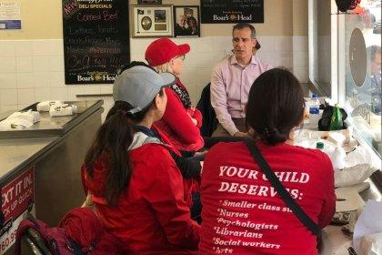 Teachers' strike tests Los Angeles mayor's White House hopes