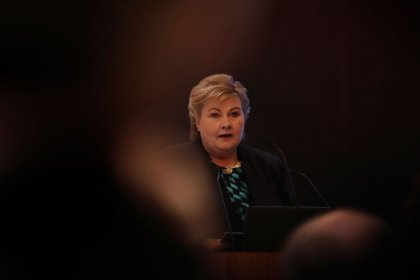 Norway PM Solberg to form majority government