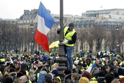 """""""Gilets jaunes"""": Premier samedi sur fond de """"grand débat"""""""