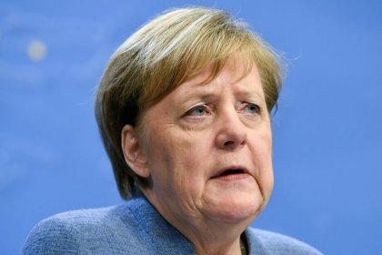Merkel dice que trabajará duro para un nuevo acuerdo sobre el Brexit