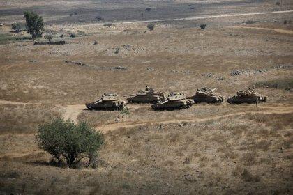Siria dice frustra un ataque aéreo israelí, Israel intercepta un cohete en el Golán