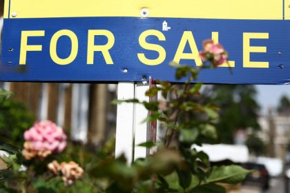 UK house prices make weakest start to year since 2012 - Rightmove
