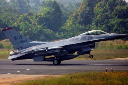 Lockheed sees potential exports of 200 F-16 jets from proposed Indian plant