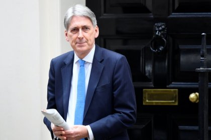 Hammond calls for business support after Brexit
