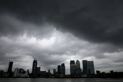 UK finance calls for deep ties with EU after Brexit