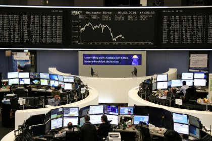 European shares bounce from one-week low as trade talks resume