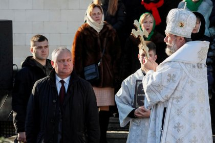 Election may keep Moldova in 'gray zone' between West and Russia