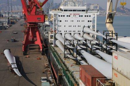 Cina, dati commercio migliori attese ma per effetto fattori stagionali