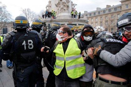 Manifestations: Le Parlement européen critique Paris sans le dire