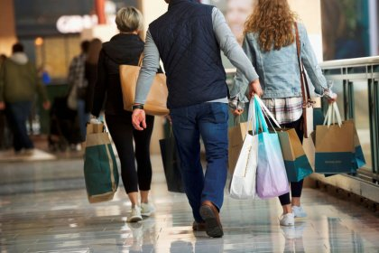 U.S. 2018 holiday sales numbers 'surprise' NRF, fall short of expectations