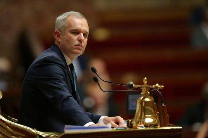 Climat: De Rugy assure de l'engagement français, les ONG déçues
