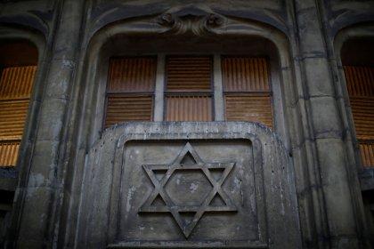 LFI et d'autres formations rejoignent l'appel contre l'antisémitisme