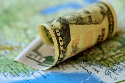 Доллар подешевел на фоне усиления аппетита к риску