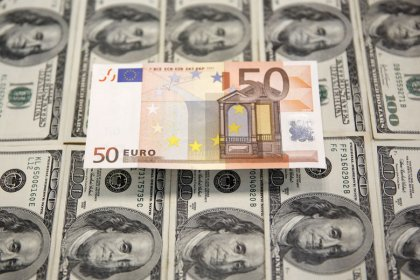 Euro gains as U.S.-China trade-talk optimism boosts sentiment