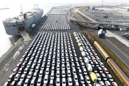 EU will react swiftly if U.S. hits it with car tariffs - Commission