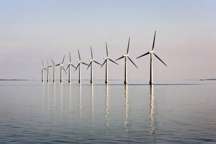 Total moves into offshore wind with joint bid for Dunkirk project
