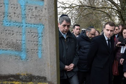 French TV cuts Facebook live feed from Jewish cemetery after anti-Semitic abuse