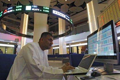 بورصة دبي ترتفع بدعم من القطاع العقاري وأسواق الخليج تصعد مع تعافي الأسهم العالمية