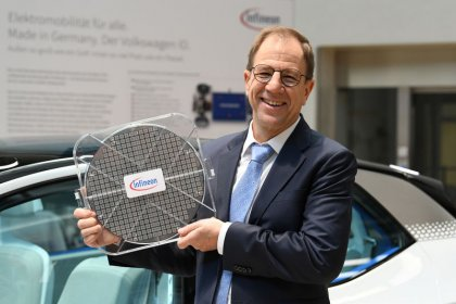 New Infineon chairman Eder to start in August
