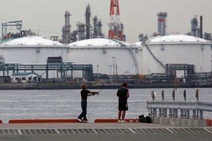 Asia's surging fuel exports depress refining industry profits
