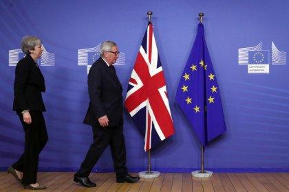May führt Brexit-Gespräche am Rande von EU und Arabischer Liga