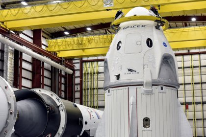 NASA clears SpaceX test flight to space station