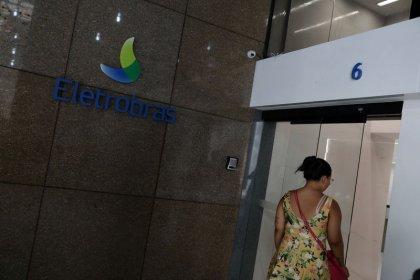 Ministro vê proposta de capitalização da Eletrobras pronta em junho; ações saltam