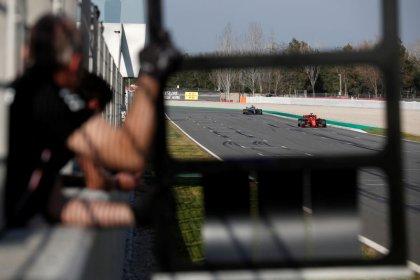Ferrari e Mercedes finalizam testes da F1 cabeça a cabeça