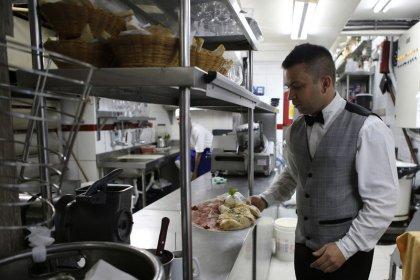 Volume de serviços no Brasil tem queda inesperada em janeiro