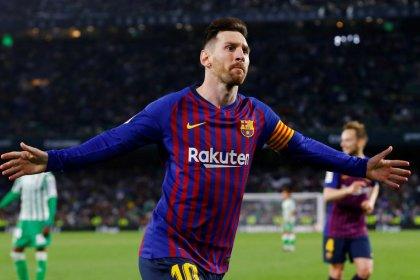 """Messi maravilla con un nuevo """"hat trick"""" ante el Betis"""