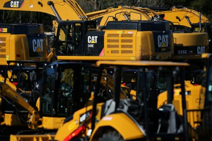 U.S. heavy equipment makers feeling pain from tariffs, disputes: report
