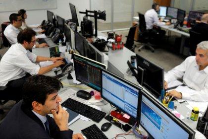 Ibovespa supera 100 mil pts pela 1ª vez com otimismo com reforma, mas desacelera no final