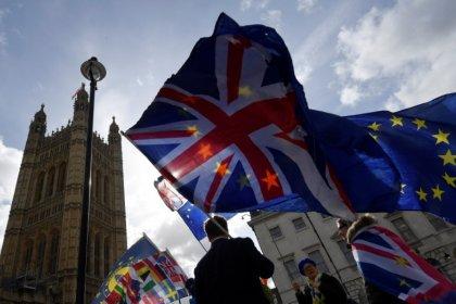 May pedirá un retraso corto del Brexit