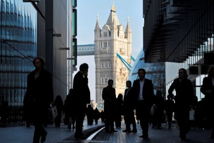 UK firms expect to give 2.5 percent basic pay rise this year: XpertHR