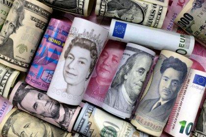 اليورو والين يرتفعان بعد تراجع الدولار بسبب موقف المركزي الأمريكي