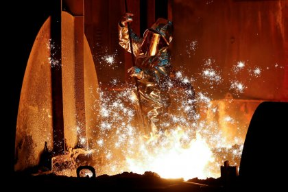 Weak factories dent hopes for global economic recovery